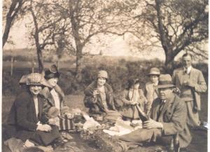 Thomas William Greenwell, picnic, 1933
